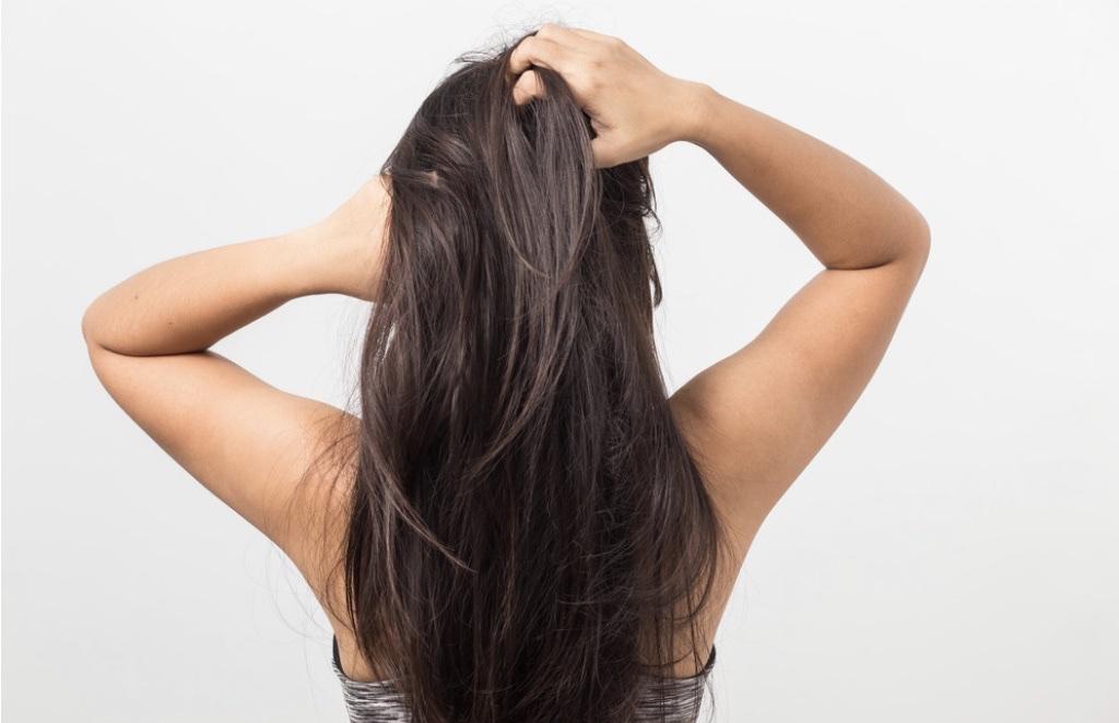 頭皮を柔らかくするマッサージと改善方法