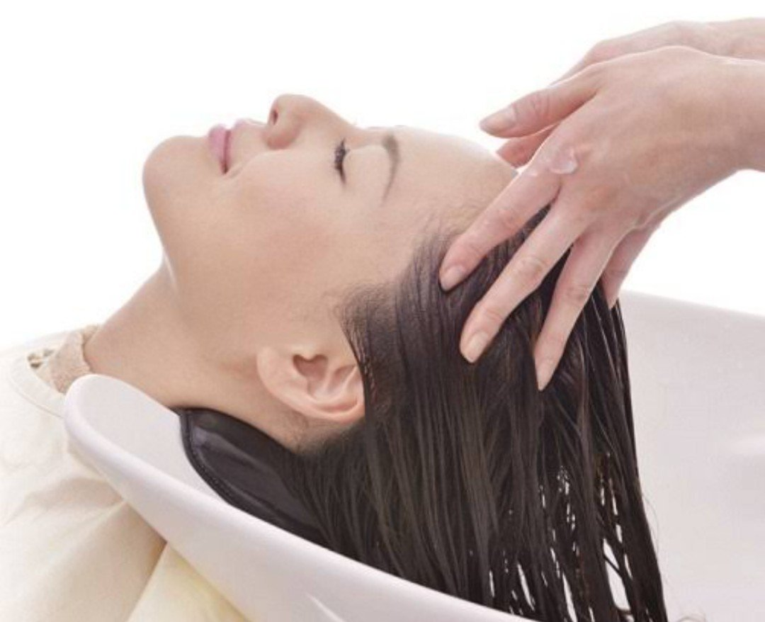 1日の正常な髪の抜け毛の量はどのくらい?